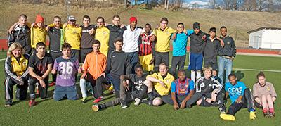 Fotboll För Asylsökande – En Succé I Långshyttan