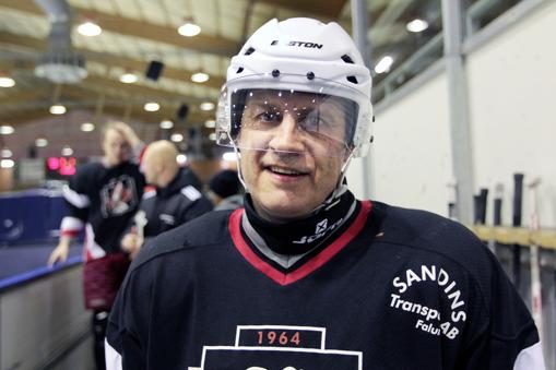 Ellert  57 Sveriges äldste Aktiva Hockeyspelare