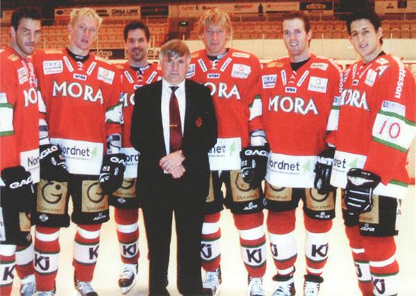Jan Simons På Läktarplats: Ishockeyn Har Blivit För Dyr