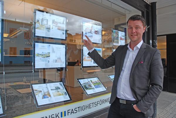 Fastighets- Mäklare är Niklas Nya Spelplan