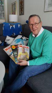 Anders Östling visar upp sin samling av Match årgång 1961.