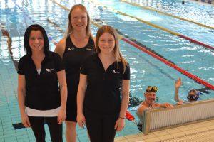 Lottie Sundlöf, Suzanne Nimstad och Aleksandra Zarzycka jobbar idag i Simhallen.