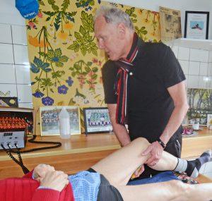 Per kollar om ett ont knä är inflammerat.