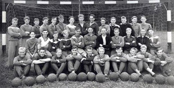 31 Dalaklubbar På Fotbollsläger