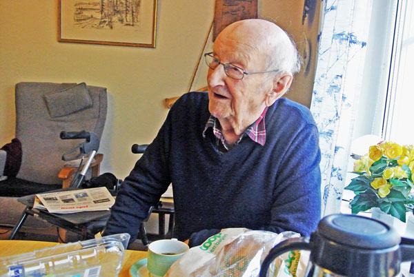 Helge 100 år Minns  Sitt Stora Idrottsliv
